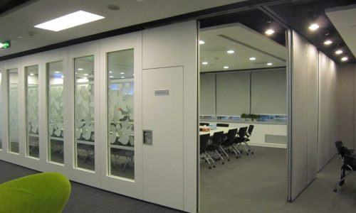 MANUAL ACOUSTIC FRAMED GLASS SYSTEM