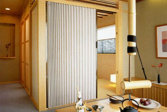 accordion door system supplier