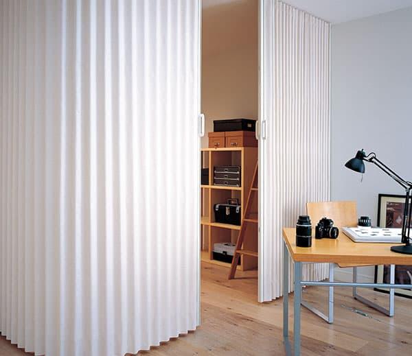 accordion door white color